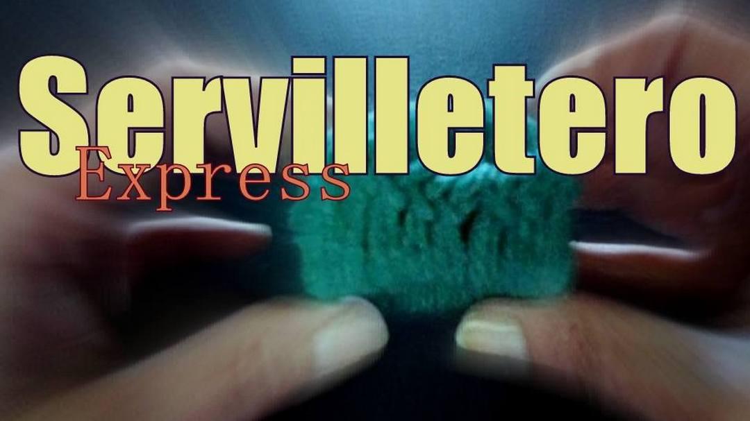 servilleteros con reciclado de rollos de cartón tejidos al crochet ganchillo para zurdos
