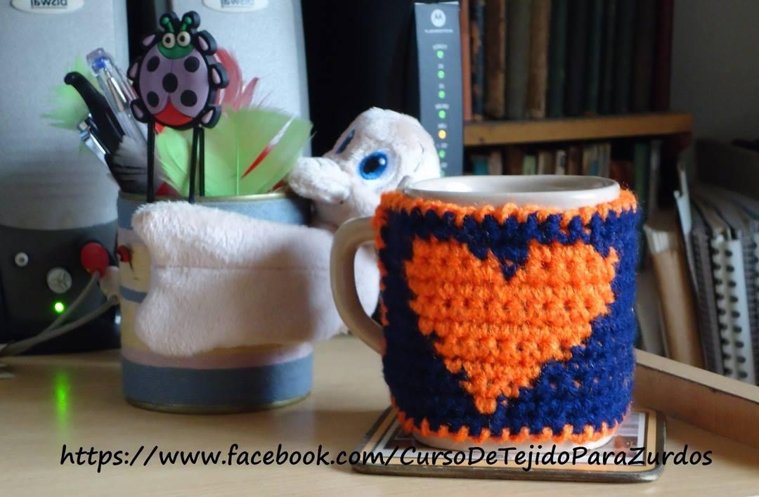 cubretazas tejido en tapestry crochet ganchillo para zurdos